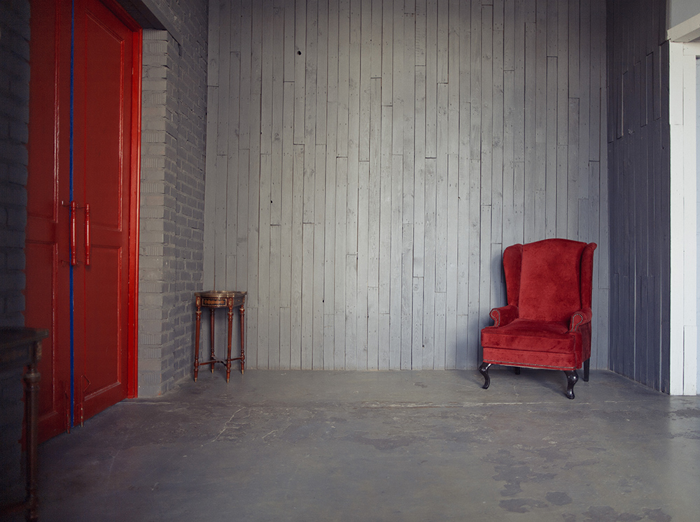 stbrown_loft_grey wall